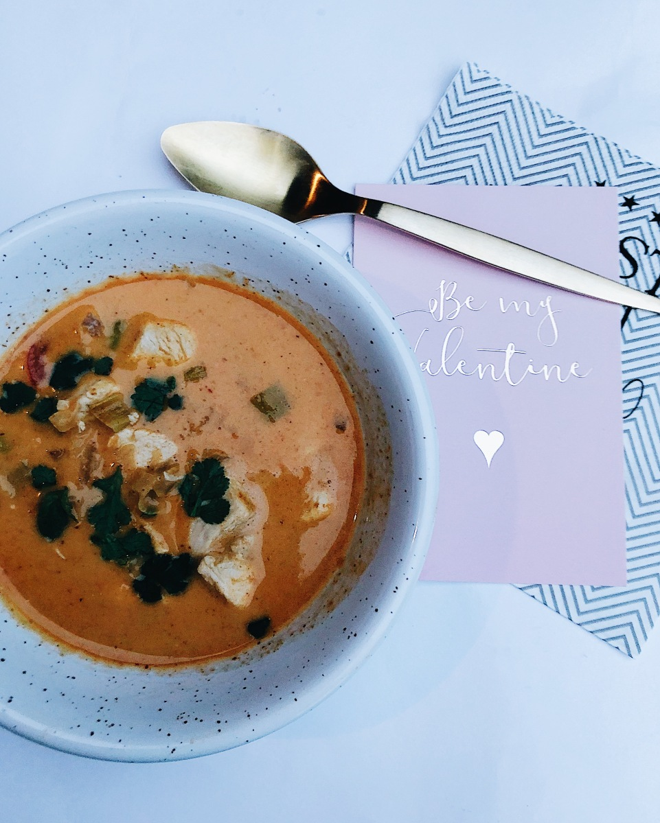 Red Curry Kyllingsuppe